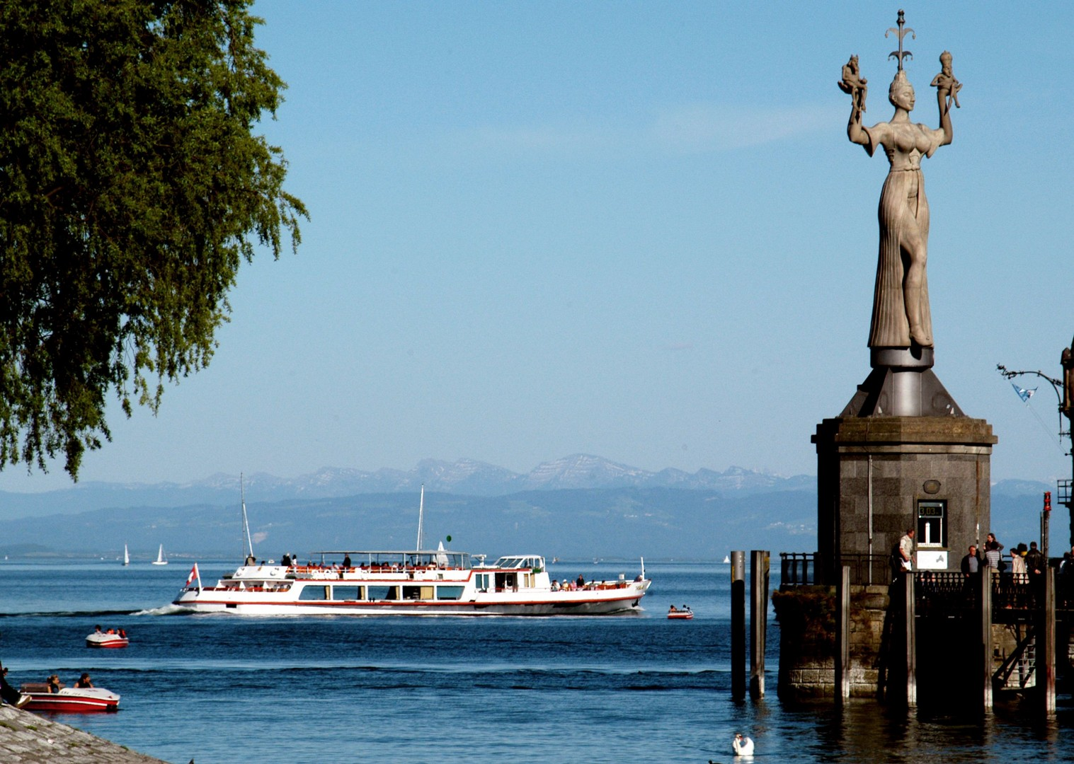 Constance 13.jpg - Germany, Austria and Switzerland - Lake Constance - Supported Leisure Cycling Holiday - Leisure Cycling