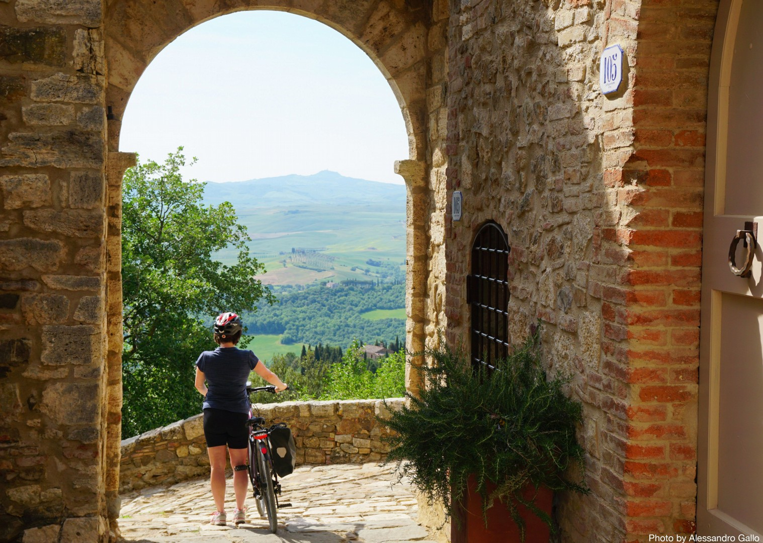 Italy-Via-Francigena-Tuscany-to-Rome-Guided-Leisure-Cycling-Holiday-beautiful-riding-through-old-towns - Italy - Via Francigena (Tuscany to Rome) - Guided Leisure Cycling Holiday - Leisure Cycling