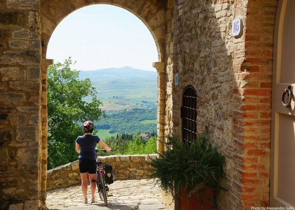 Italy-Via-Francigena-Tuscany-to-Rome-Guided-Leisure-Cycling-Holiday-beautiful-riding-through-old-towns - Italy - Via Francigena (Tuscany to Rome) - Leisure Cycling