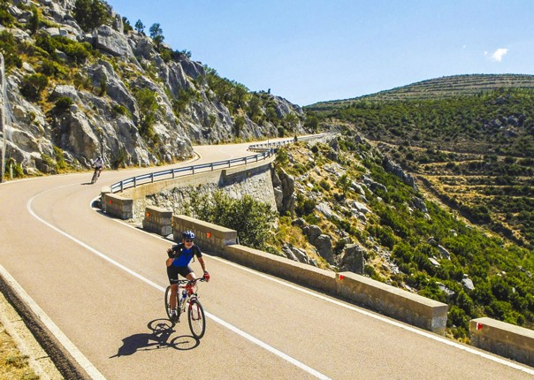 remote-mountains-of-sardinia-by-bike-skedaddle.jpg