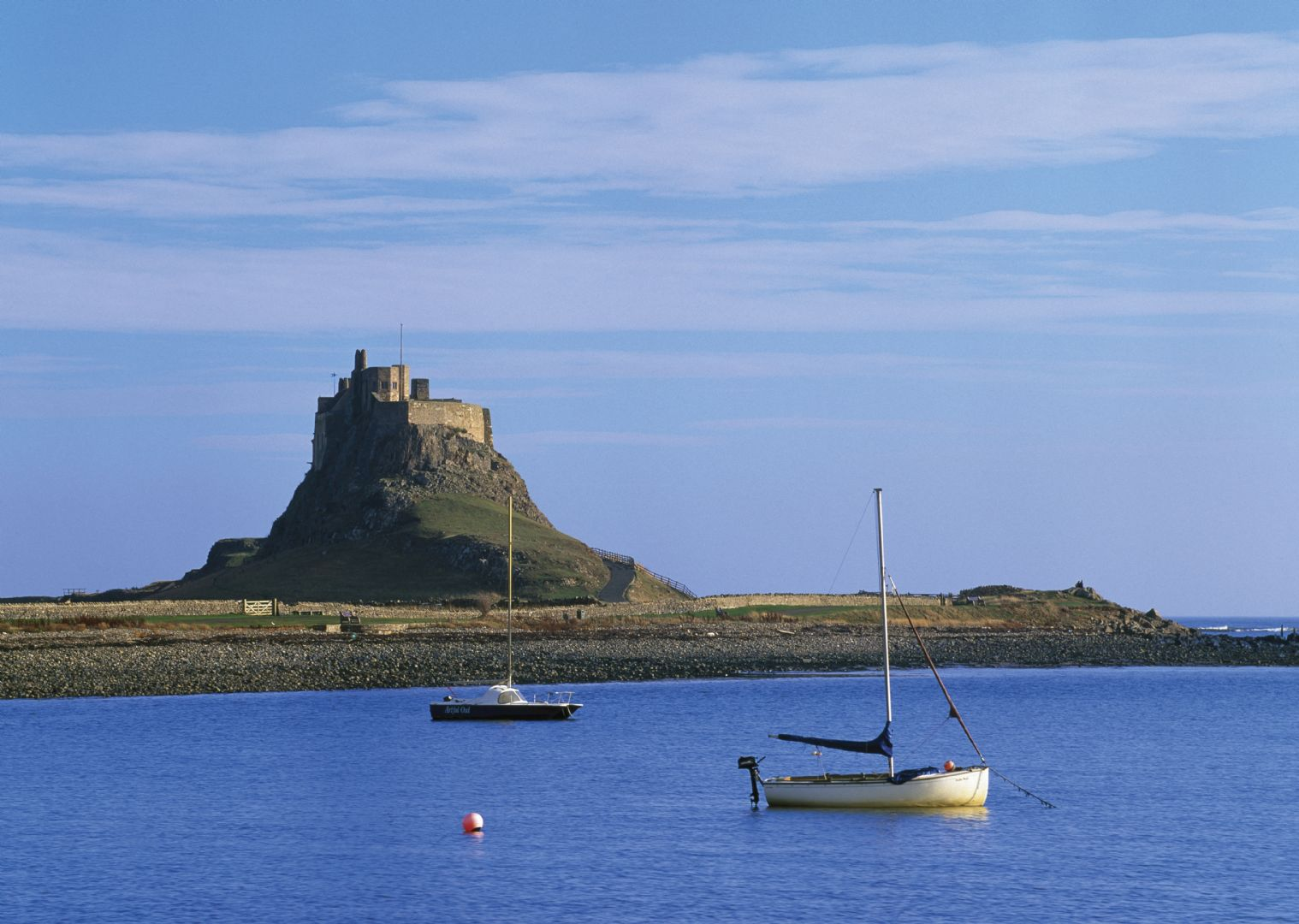 leisure-cycling-holiday-northumberland-lindisfarne-castle.jpg - UK - Romans, Reivers and Ancient Castles - Self-Guided Leisure Cycling Holiday - Leisure Cycling