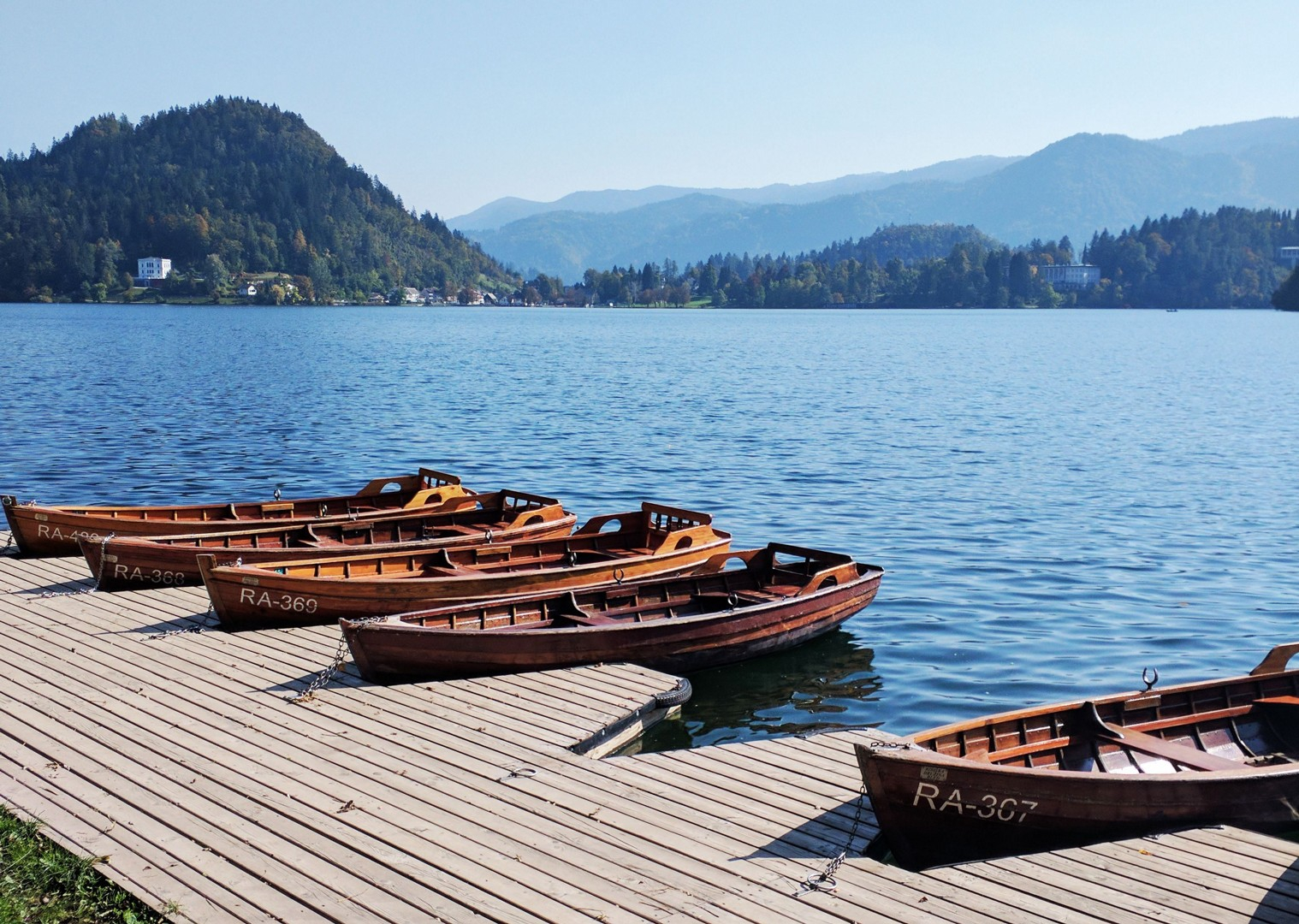 pletna-boat-self-guided-leisure-cycling-holiday-slovenia-highlights-of-lake-bled.jpg - Slovenia - Highlights of Lake Bled - Self-Guided Leisure Cycling Holiday - Leisure Cycling