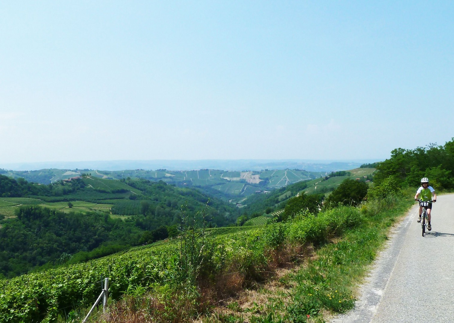 leisure-cycling-holiday-italy-piemontes-vineyards-and-views.jpg - Italy - Piemonte - Vineyards and Views - Self-Guided Leisure Cycling Holiday - Leisure Cycling