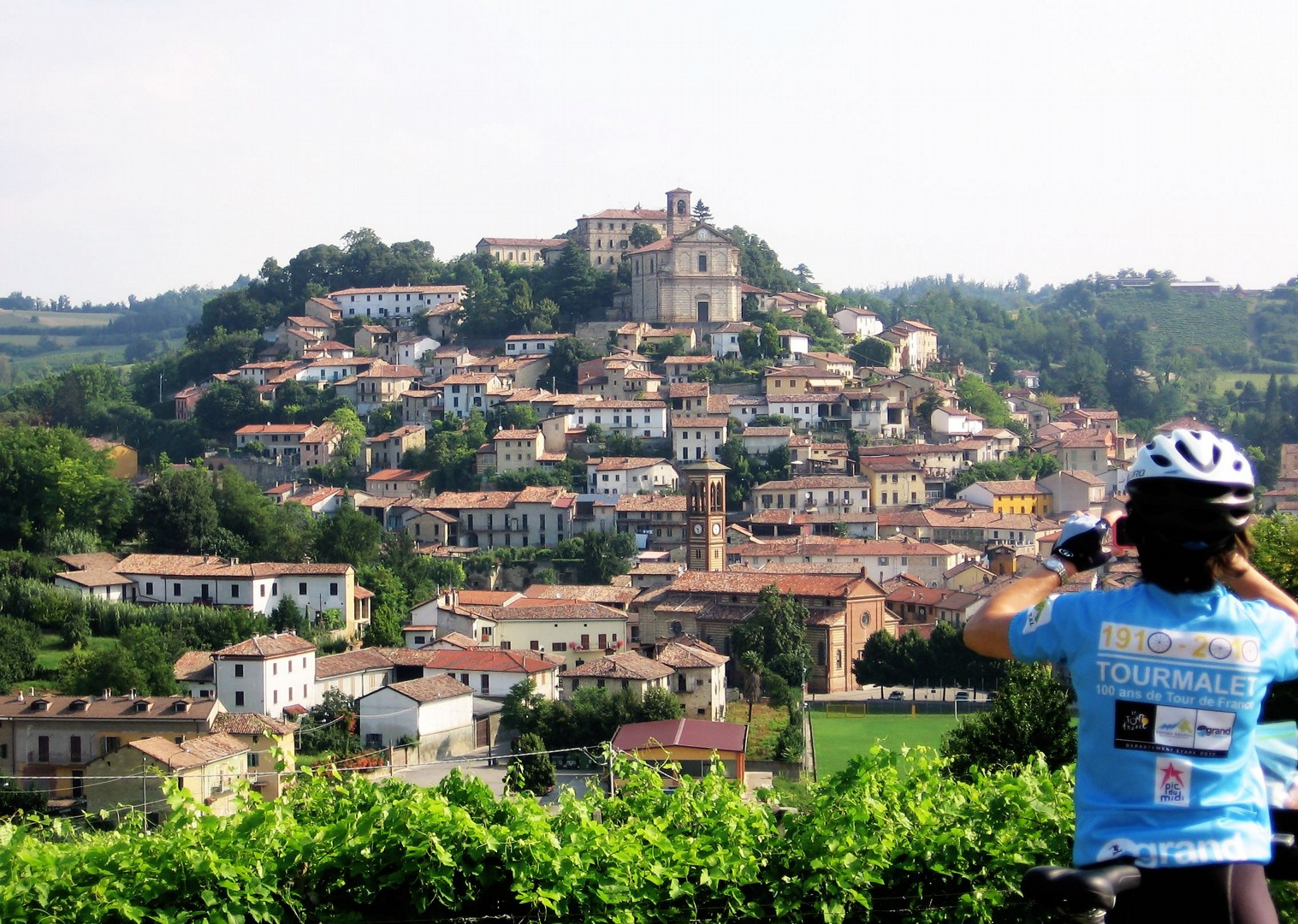 self-guided-leisure-cycling-holiday-italy-piemontes-vineyards-and-views.JPG - Italy - Piemonte - Vineyards and Views - Self-Guided Leisure Cycling Holiday - Leisure Cycling