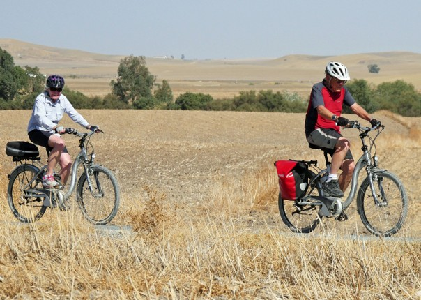 Robin and Sue on their ebikes.jpg - NEW! Spain - Andalucia - White Villages to the Ocean - Leisure Cycling