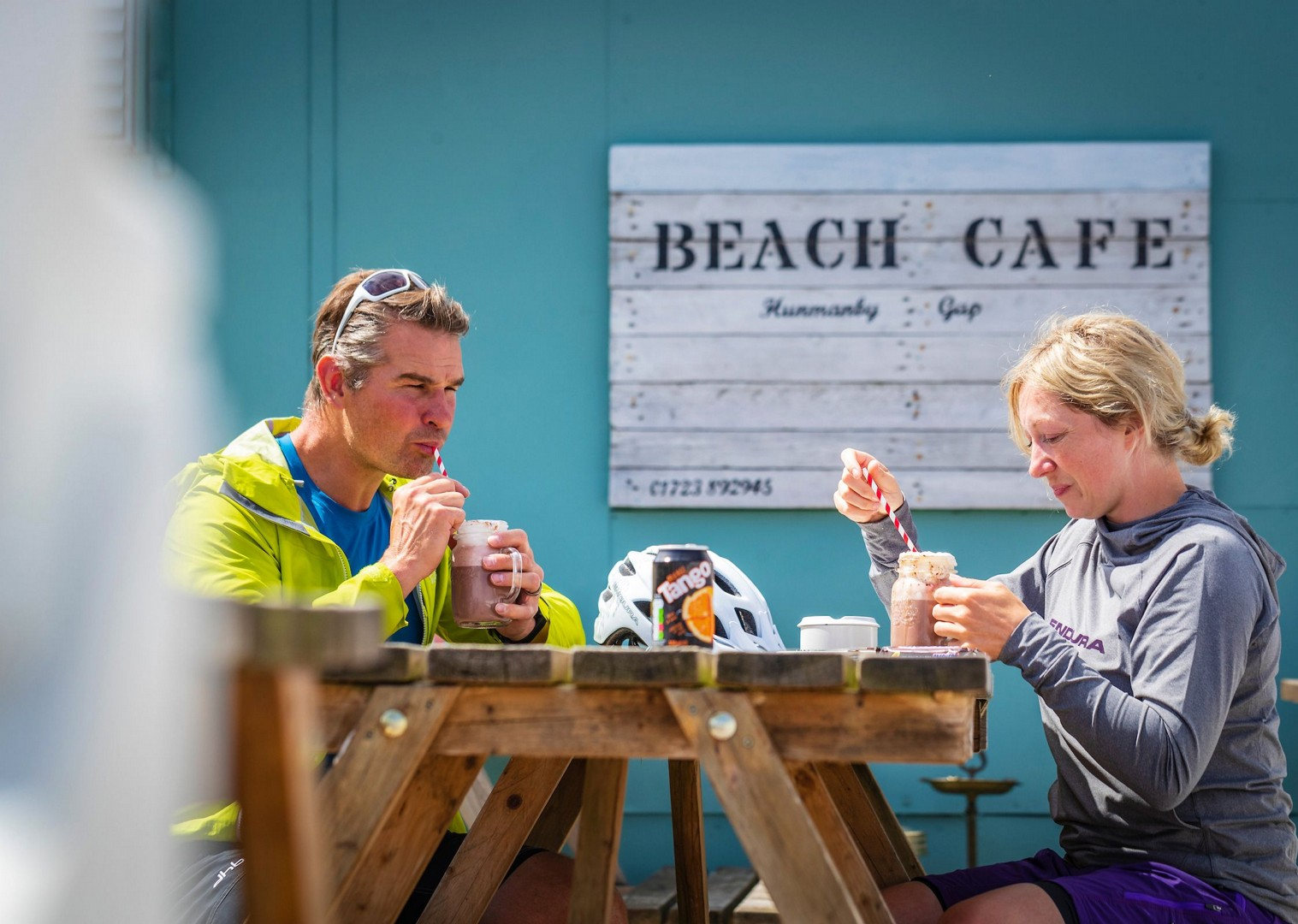 beach-cafe-bempton-yorkshire-cycling.jpg - NEW! UK - Yorkshire Wolds - Leisure Cycling