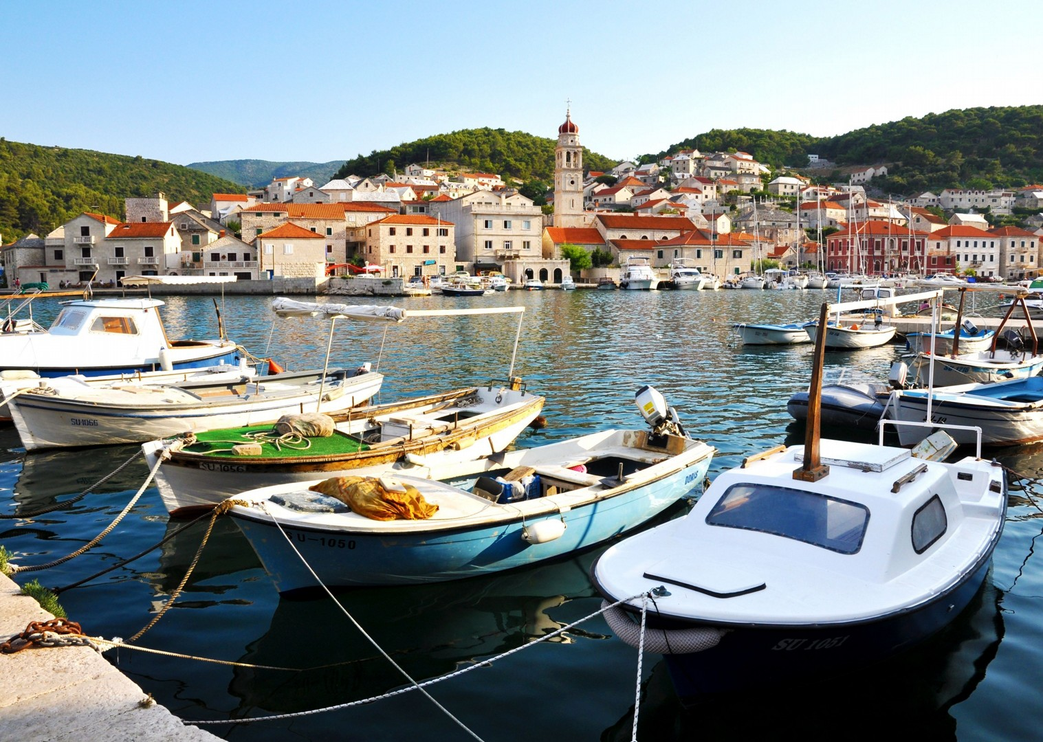 leisure-cycling-holiday-yacht-accommodation-croatia-skedaddle.jpg - Croatia - Southern Dalmatia Plus - Bike and Boat Holiday - Leisure Cycling