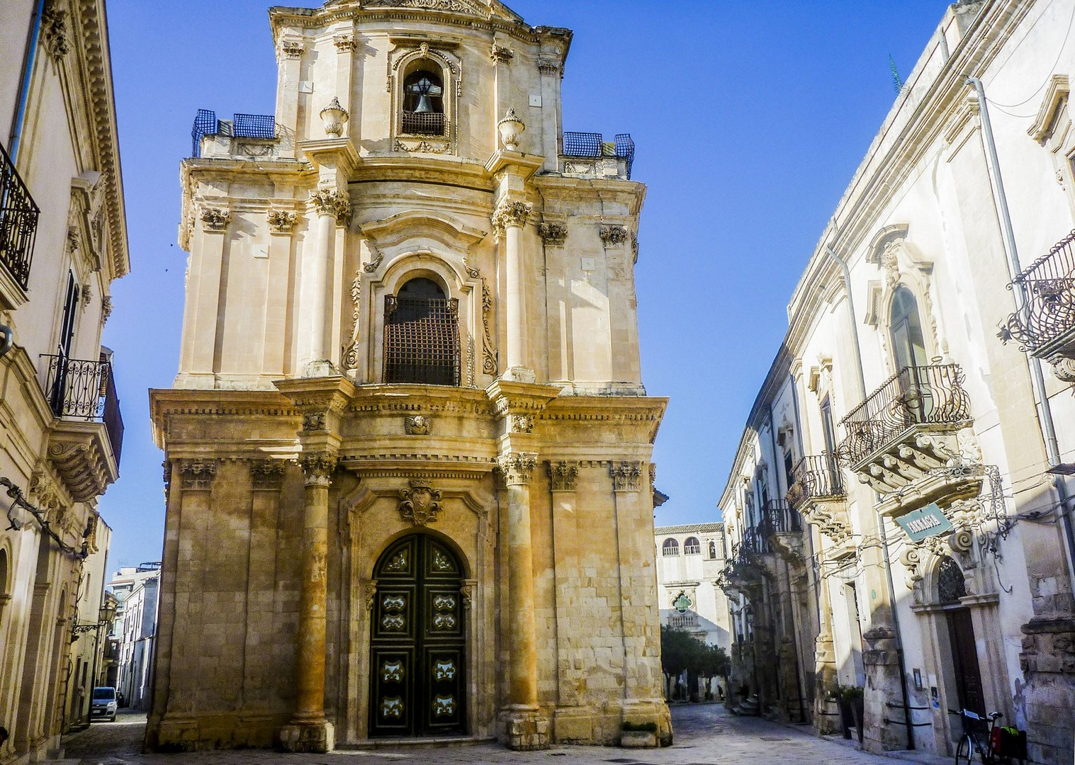 traditional-baroque-towns-modica-ragusa-noto-sicily-cycling.jpg - Italy - Sicily - Self-Guided Leisure Cycling Holiday - Leisure Cycling