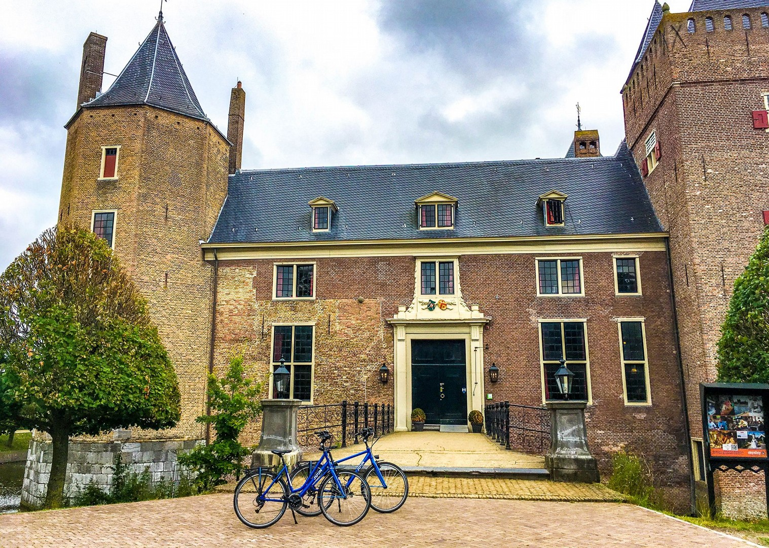 dutch-discoverer-canals-and-castles-holiday-family-cycling-self-guided.jpg - NEW! Holland - Dutch Discoverer - Canals and Castles - Family Cycling