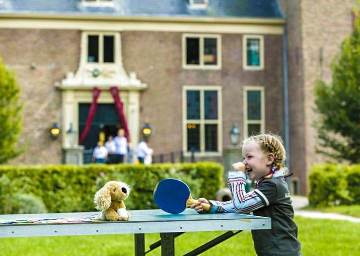 family-dutch-discoverer-self-guided-cycling-holiday-in-holland-with-the-kids.jpg - NEW! Holland - Dutch Discoverer - Canals and Castles - Family Cycling