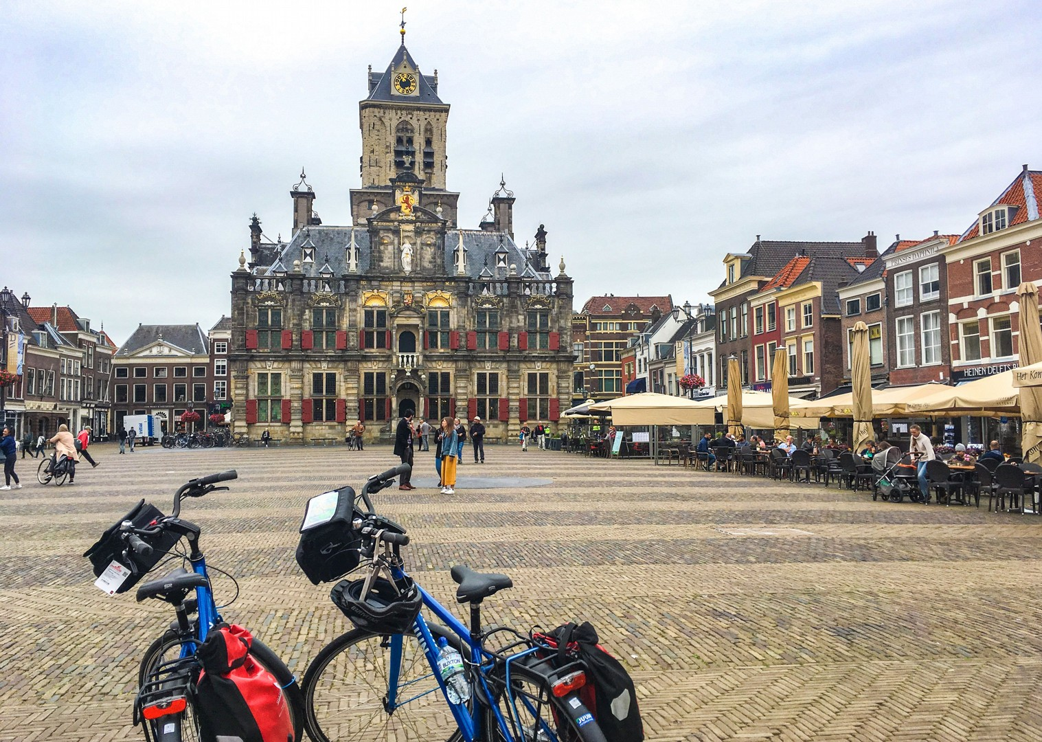 cycling-delft-in-holland-family-holiday-saddle-skedaddle-cities-and-beaches-of-south.jpg - Holland - Cities and Beaches of the South - Self-Guided Family Cycling Holiday - Family Cycling