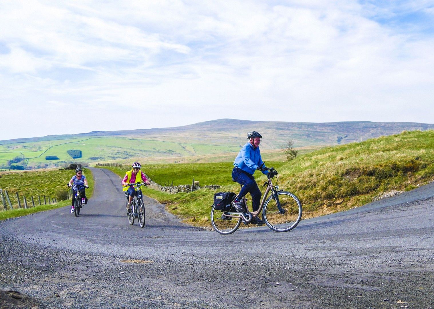 tour-for-all-ages-skedaddle-england-bike-holiday-amazing-experiences.jpg - UK - C2C - Coast to Coast - Supported Leisure Cycling Holiday - Family Cycling