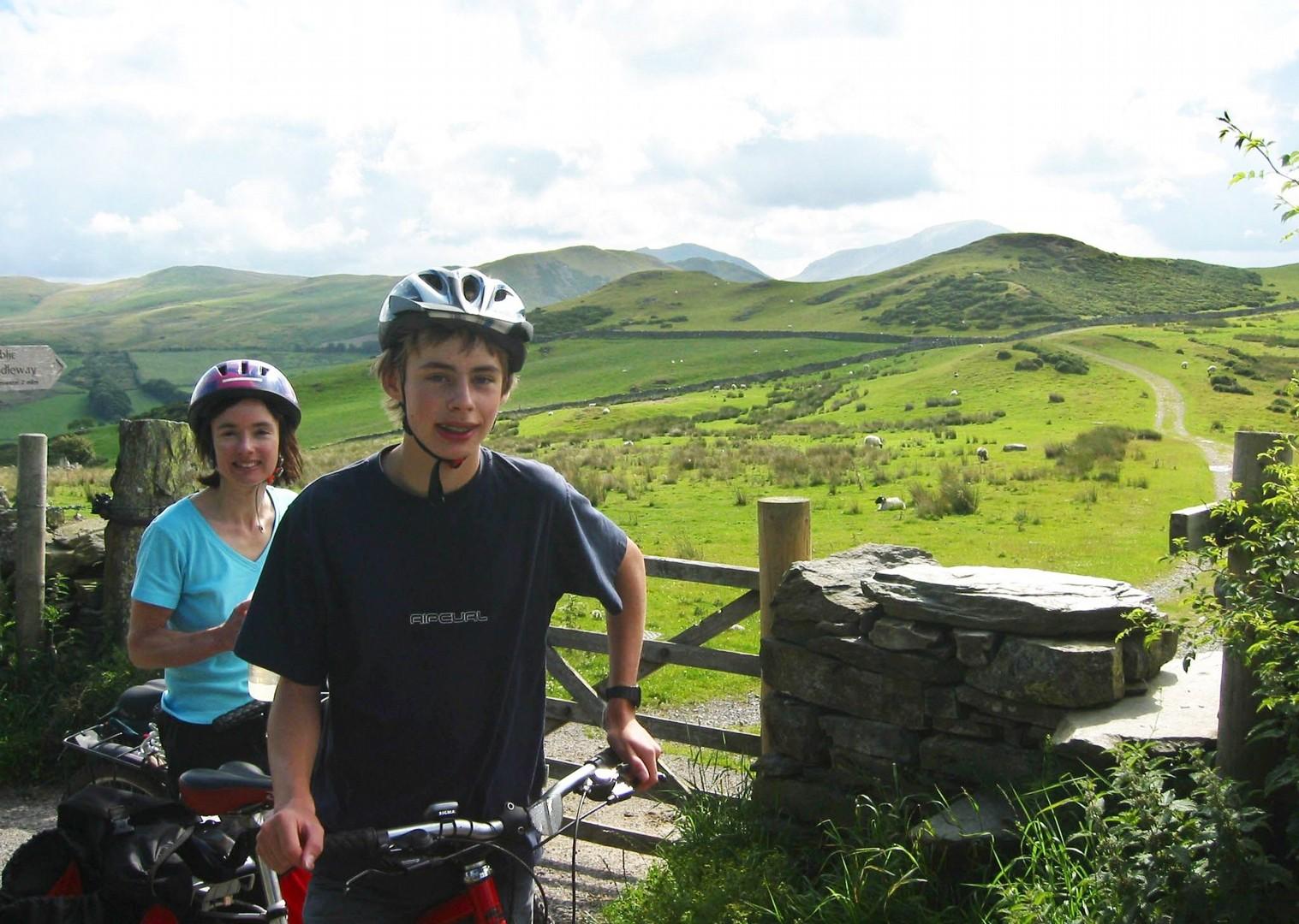 family-guided-cycling-holiday-uk-lake-district-bike-skills.jpg - UK - Lake District - Guided Family Bike Skills - Family Cycling