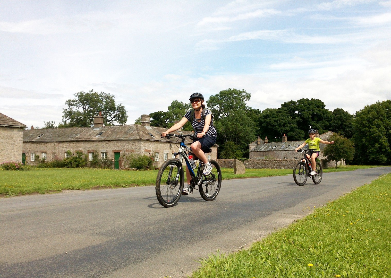 guided-uk-cycling-holiday-family-lake-district.jpg - UK - Lake District - Guided Family Bike Skills - Family Cycling