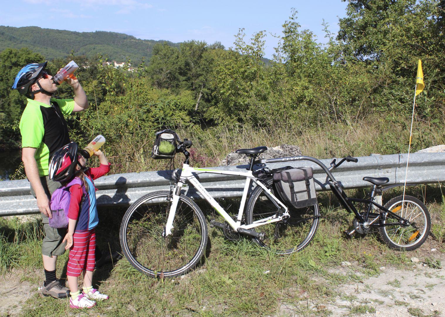 francefamilycycling3.jpg - France - Burgundy - Puisaye Paradise - Self-Guided Family Cycling Holiday - Family Cycling