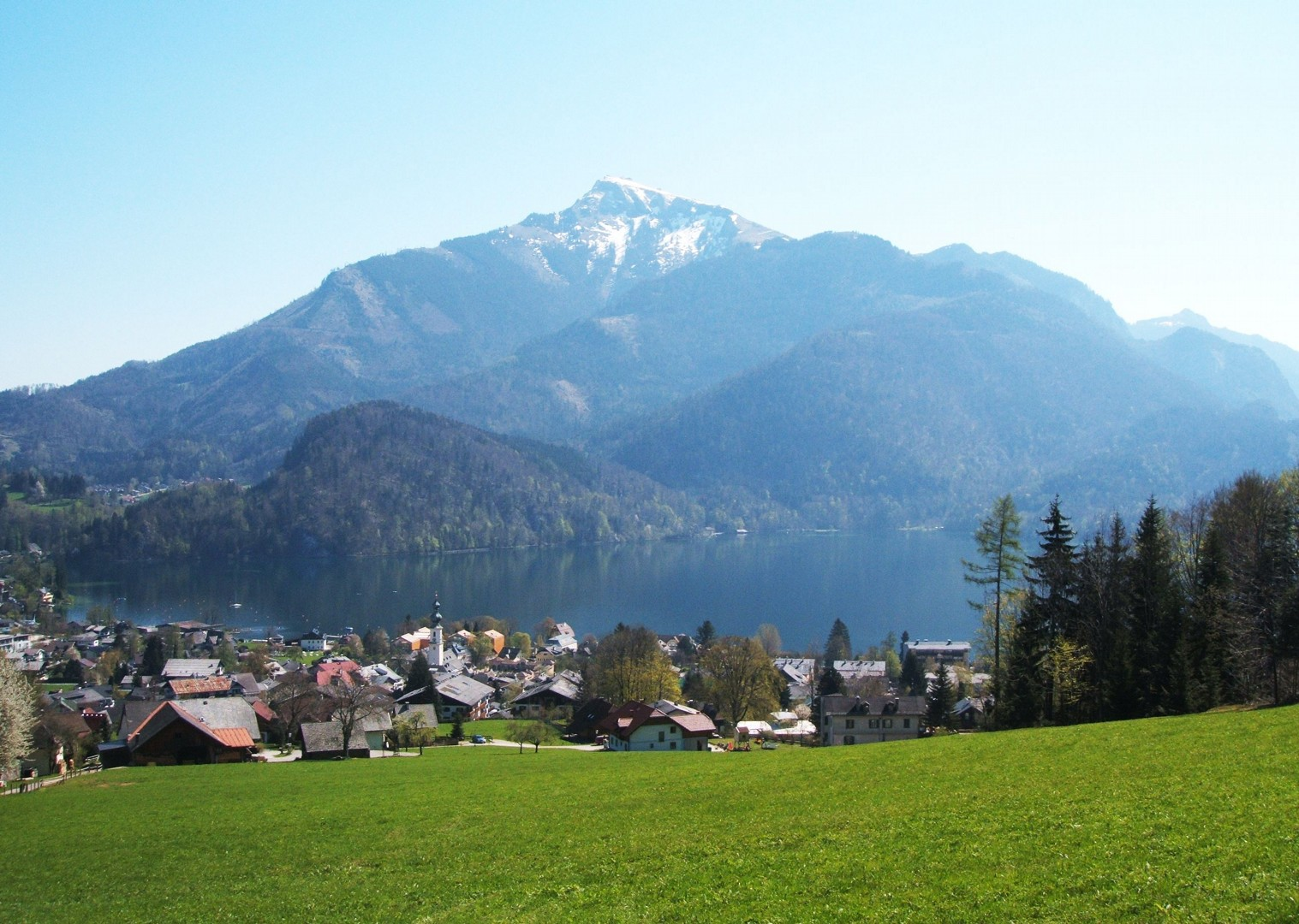 austrian-mountainous-scenery-cycling-tour-mondsee-lake.jpg - Austria - Ten Lakes Tour - Self-Guided Family Cycling Holiday - Family Cycling