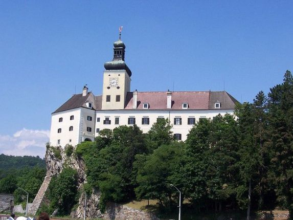 Pressenberg Castle.jpg - Austria - Blue Danube - Linz to Vienna - Self-Guided Family Cycling Holiday - Family Cycling