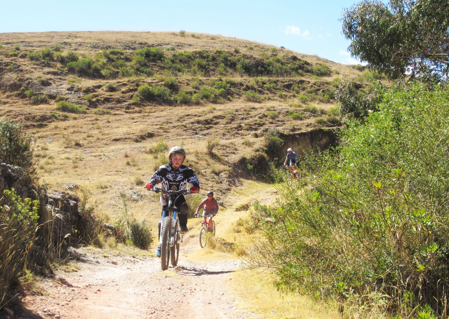 peru-family-cycling-holiday-skedaddle-incan-ruins.JPG - Peru - Andean Adventure - Guided Family Cycling Holiday - Family Cycling