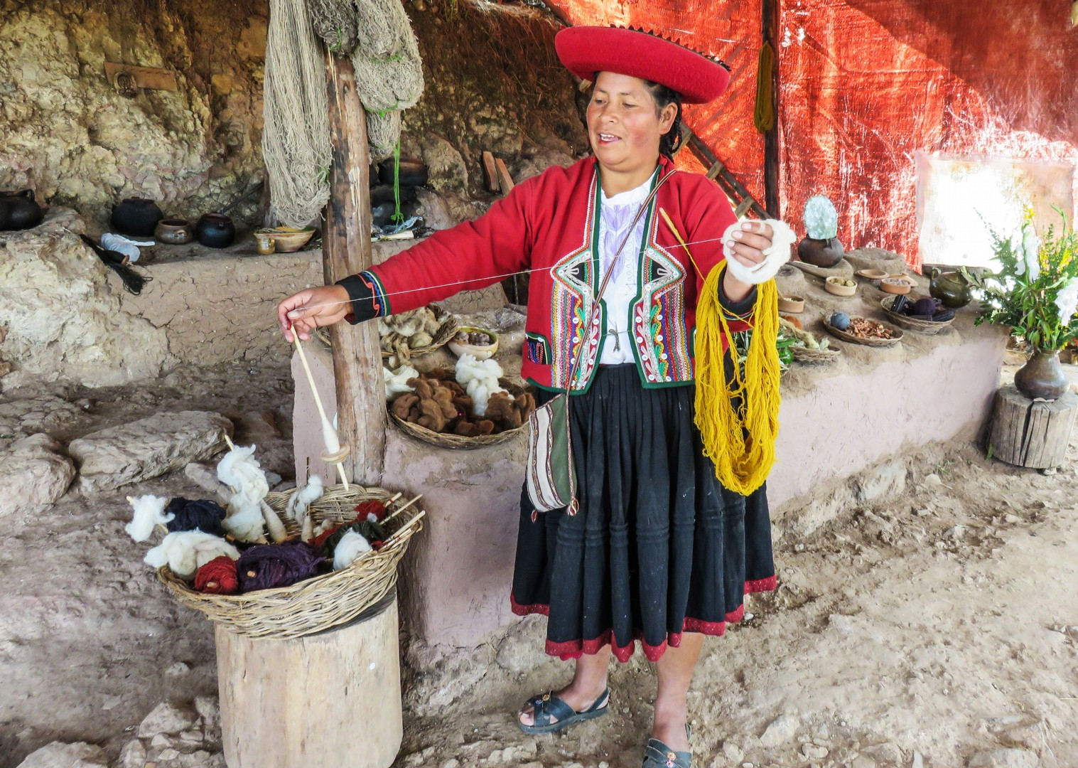 pisac-market-andean-adventurer-peru-guided-family-cycling-holiday.jpg - Peru - Andean Adventure - Guided Family Cycling Holiday - Family Cycling