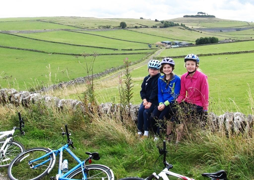 Guided-Family-Bike-Skills-Derbyshire-UK.jpg - UK - Derbyshire - Guided Family Bike Skills - Family Cycling