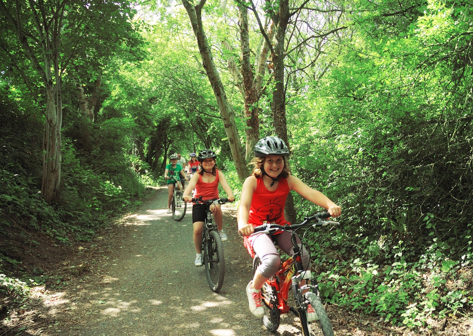 Peak-District-Guided-Family-Bike-Skills-Derbyshire-UK.jpg - UK - Derbyshire - Guided Family Bike Skills - Family Cycling