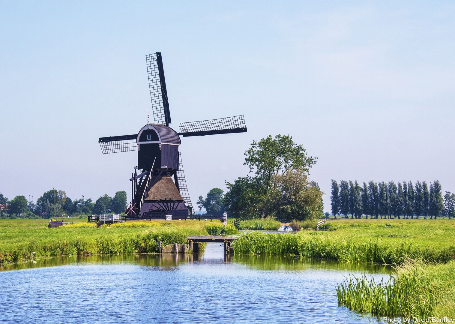 windmill-cycle-route-highlighting-holland-scenery.jpg - Holland - Windmills and Golden Beaches - Bike and Barge Holiday - Family Cycling