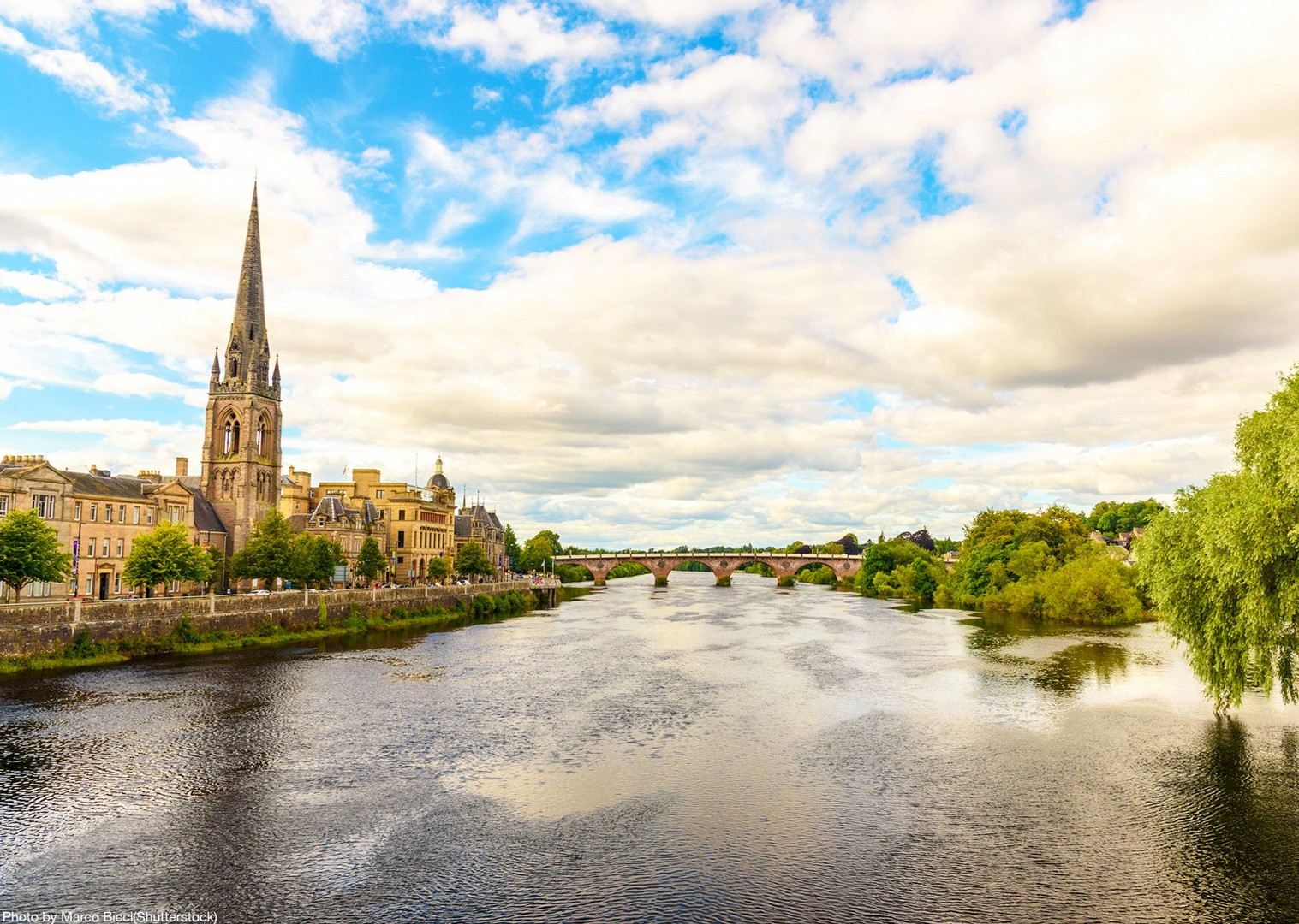 river-clyde-scotland-cycling-tour-uk-traditional-culture-town-villages.jpg - UK - Scotland - Lochs and Glens - Self-Guided Family Cycling Holiday - Family Cycling