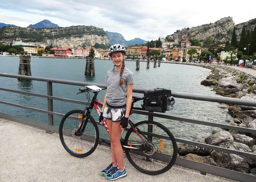 Cycle-Lake-Garda-from-north-to-south-Family-Cycling-Holiday-Lake-Garda-Venice-Italy.jpg - Italy - Lake Garda to Venice - Self-Guided Family Cycling Holiday - Family Cycling