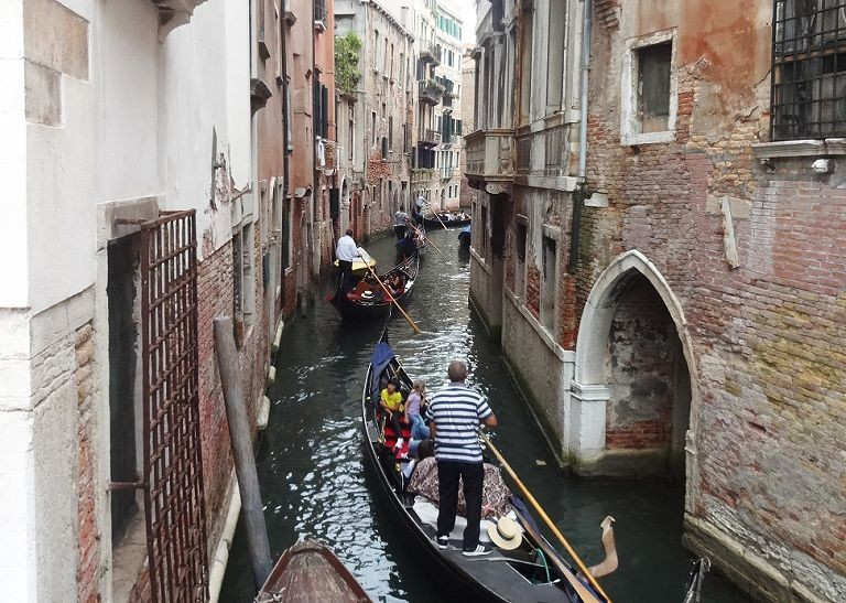 Canal-of-Venice-Family-Cycling-Holiday-Lake-Garda-Venice-Italy-gondola.jpg - Italy - Lake Garda to Venice - Self-Guided Family Cycling Holiday - Family Cycling