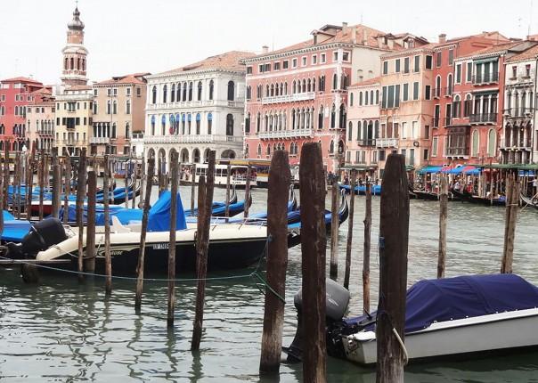 Family-Cycling-Holiday-Lake-Garda-Venice-Italy-gondola.jpg - Italy - Lake Garda to Venice - Self-Guided Family Cycling Holiday - Family Cycling
