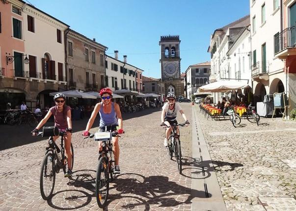Family-Cycling-Holiday-Lake-Garda-Venice-Italy.jpg - Italy - Lake Garda to Venice - Self-Guided Family Cycling Holiday - Family Cycling