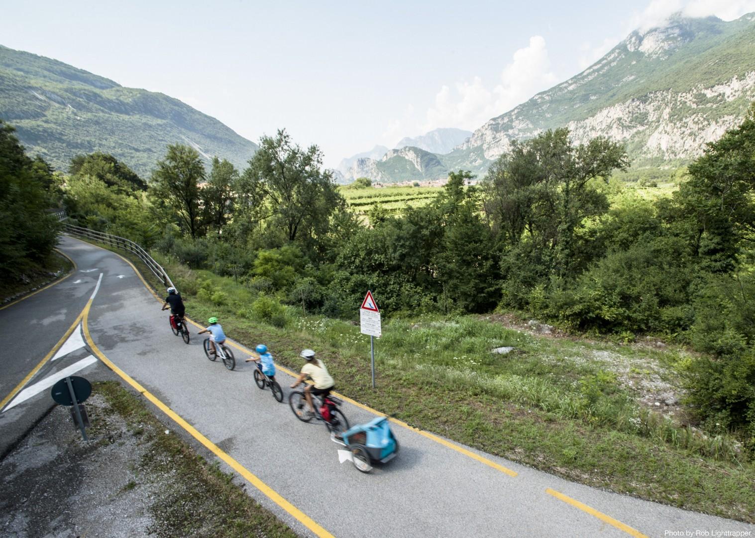 Family-Cycling-Holiday-Lake-Garda-Venice-beautiful-Italy.jpg - Italy - Lake Garda to Venice - Self-Guided Family Cycling Holiday - Family Cycling