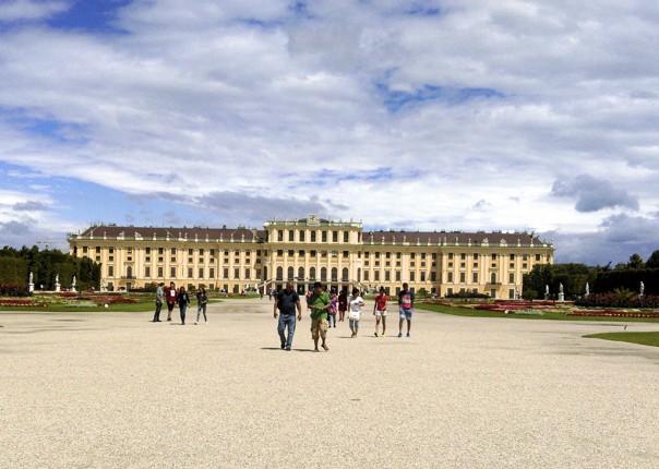 leisure-cycling-holiday-vienna-palace.jpg - Austria, Slovakia and Hungary - Vienna to Budapest - Self-Guided Family Cycling Holiday - Family Cycling