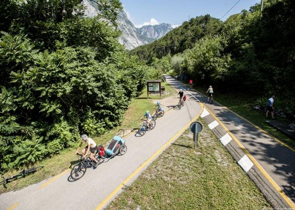 cycleway-italy-lake-garda-self-guided.jpg - Italy - Lake Garda Explorer - Self-Guided Family Cycling Holiday - Family Cycling
