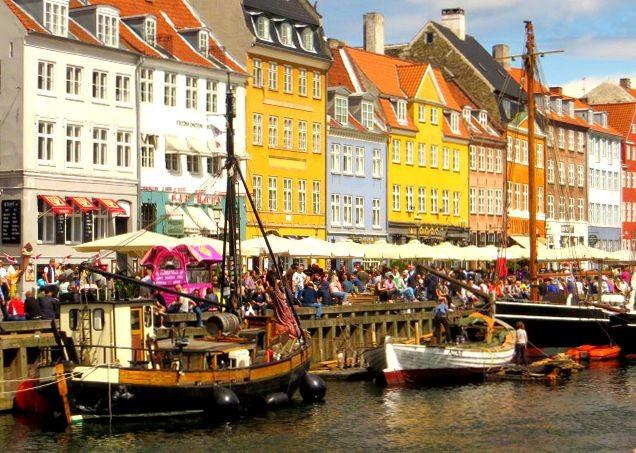 harbour-family-holiday-copenhagen-nyhavn.jpg - Denmark - Zooming Through Zealand - Self-Guided Family Cycling Holiday - Family Cycling