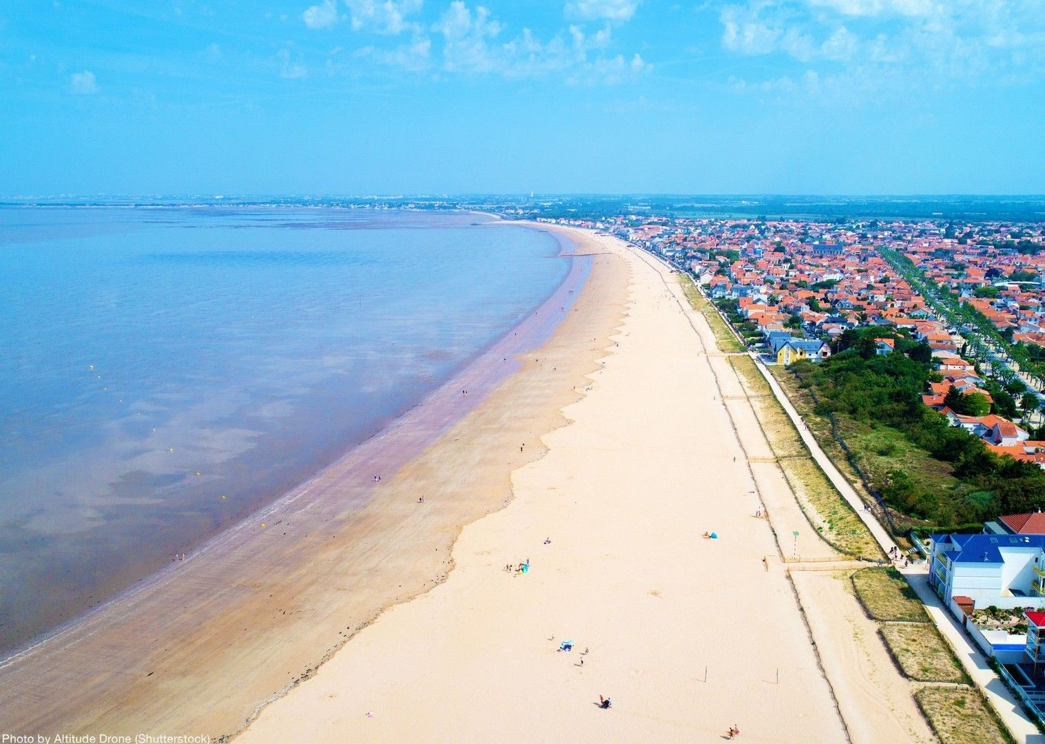 france-coast-family-biking-beach.jpg - NEW! France - Beach Odyssey - Family Cycling