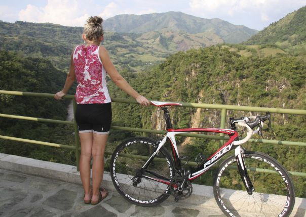 IMG_8889.jpg - Colombia - Emerald Mountains - Road Cycling