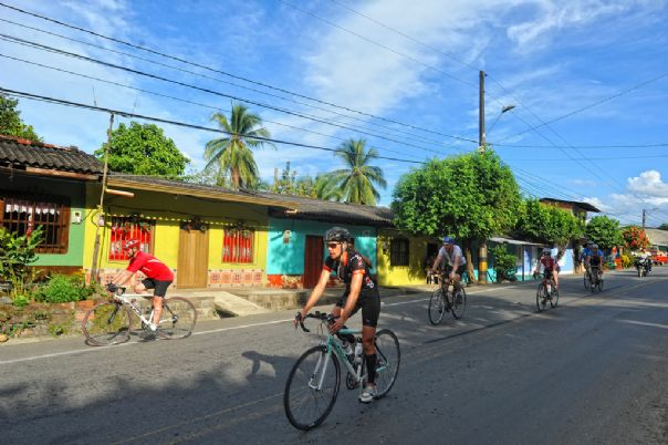Colombia - Emerald Mountains - Road Cycling Holiday Thumbnail