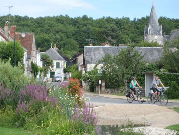 Skedaddle Cycling Holiday France Loire 15.JPG - France - Gentle Loire - Leisure Cycling Holiday - Self Guided - Leisure Cycling