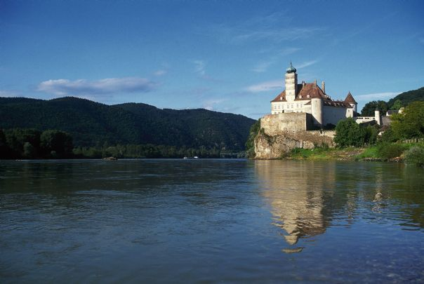 castle nr melk danube 2.jpg - Austria, Slovakia and Hungary - Vienna to Budapest - Self-Guided Cycling Holiday - Leisure Cycling