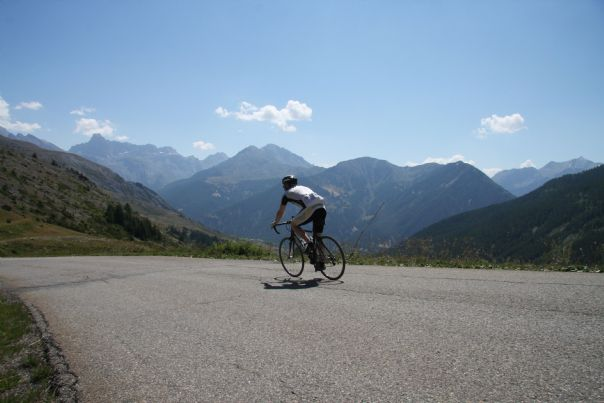France - Alps - Mont Ventoux to Alpe d'Huez - Road Cycling Holiday Thumbnail