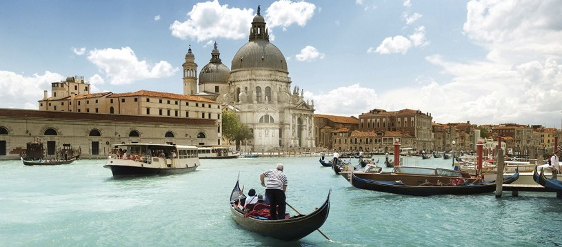 A fantastic tour taking in some of the best highlights of the North of Italy. Starting out on the shores of sparkling Lake Garda you'll enjoy a great journey through this historical rich region before reaching the iconic floating city of Venice.
