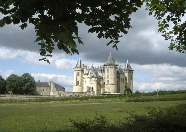 francecyclingloire7.jpg - France - Chateaux of the Loire - Leisure Cycling Holiday - Self Guided - Leisure Cycling