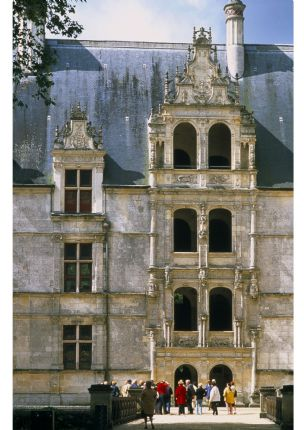 Skedaddle Cycling Holiday France Loire 14 Azay le Rideau.jpg - France - Chateaux of the Loire - Leisure Cycling Holiday - Self Guided - Leisure Cycling