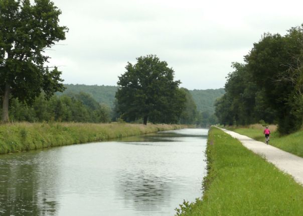 France - Burgundy - Caves and Canals - Leisure Cycling Holiday - Self Guided Thumbnail