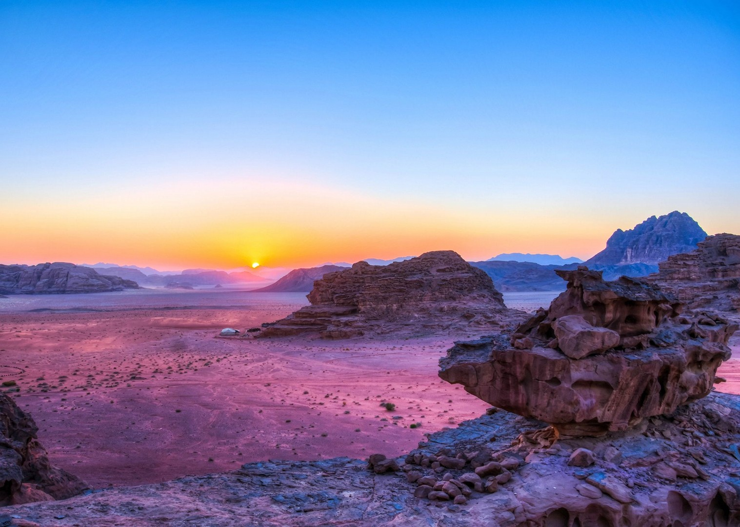 sunset-jordan-cycling-with-saddle-skedaddle-guided-tour-holiday.jpg - NEW! Jordan - Petra, Wadi Rum & the Dead Sea - Cycling Adventures