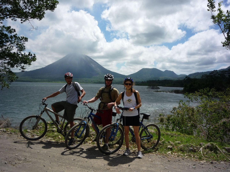 Biking20Arenal.jpg - Costa Rica - Volcanes y Playas - Cycling Adventures