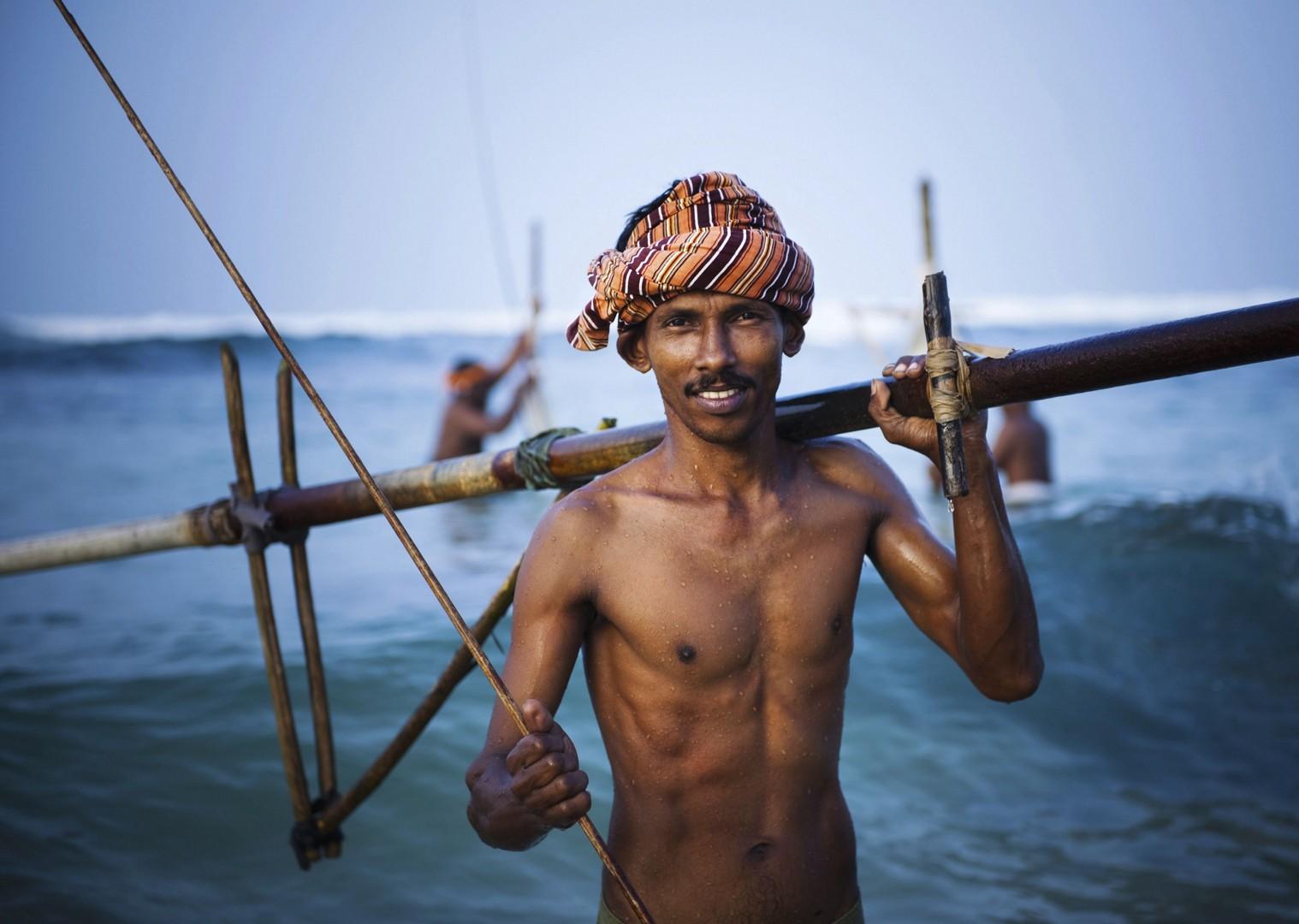 coastal-authetic-locals-on-holiday-sri-lanka.jpg - India - Classic Kerala - Cycling Adventures