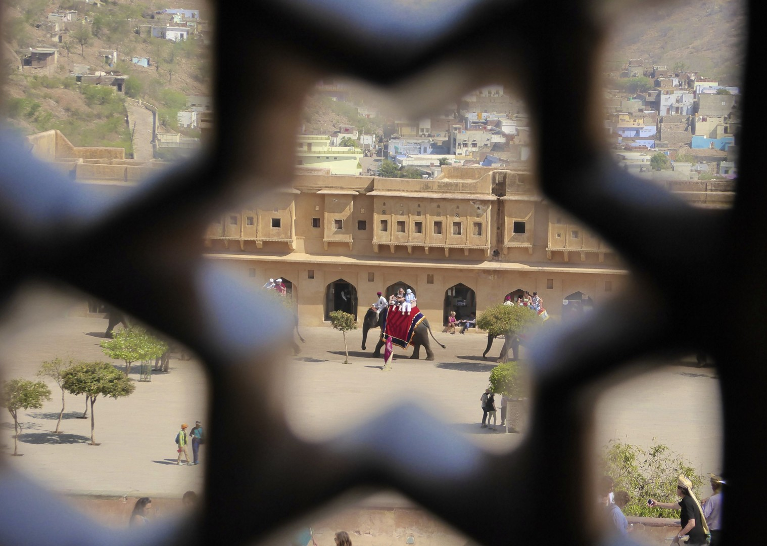 cycling-holiday-adventure-rajastan-palace.jpg - India - Palaces and Lakes of Rajasthan - Cycling Adventures