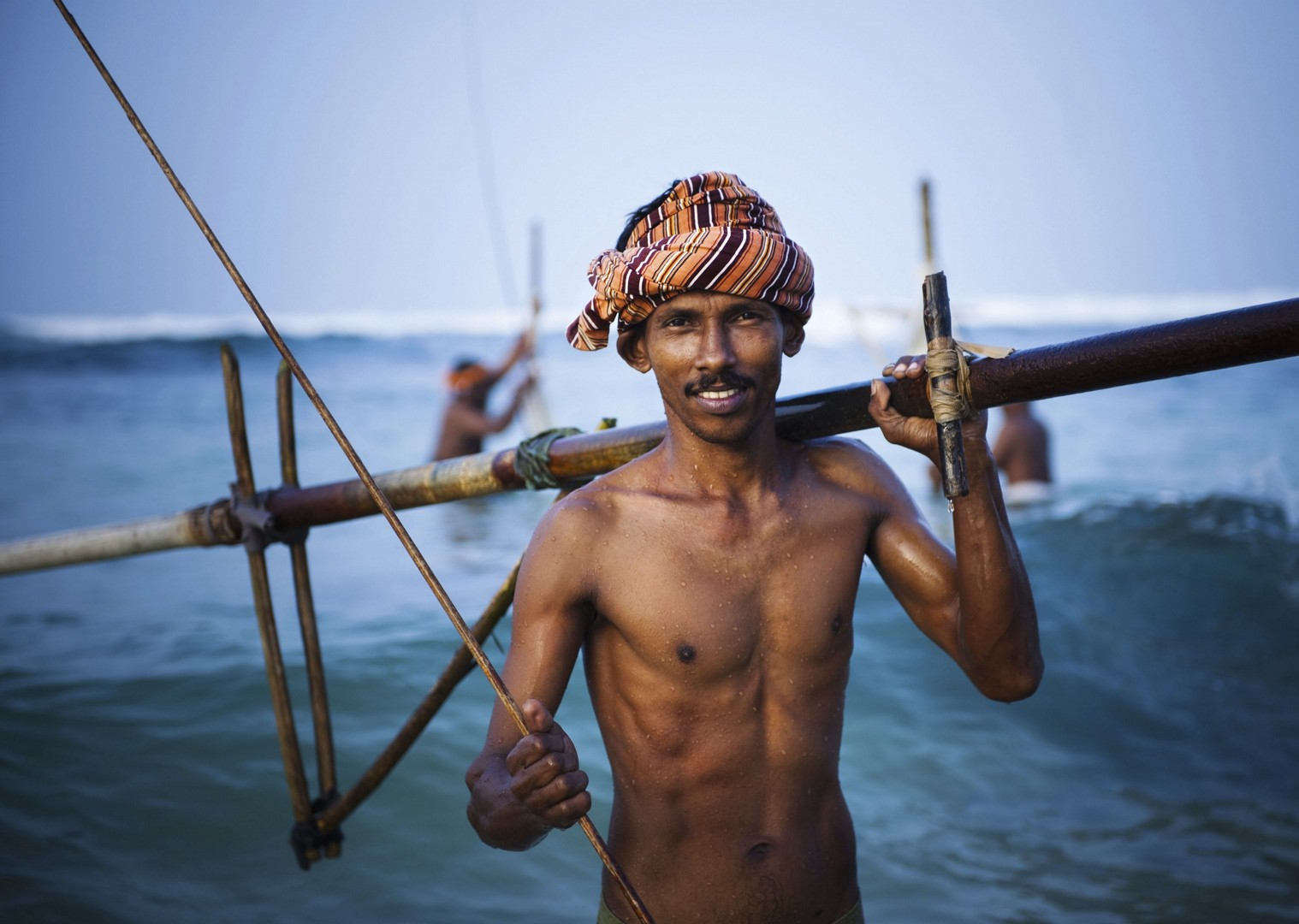 coastal-authetic-locals-on-holiday-sri-lanka.jpg - Sri Lanka - Backroads and Beaches - Cycling Adventures